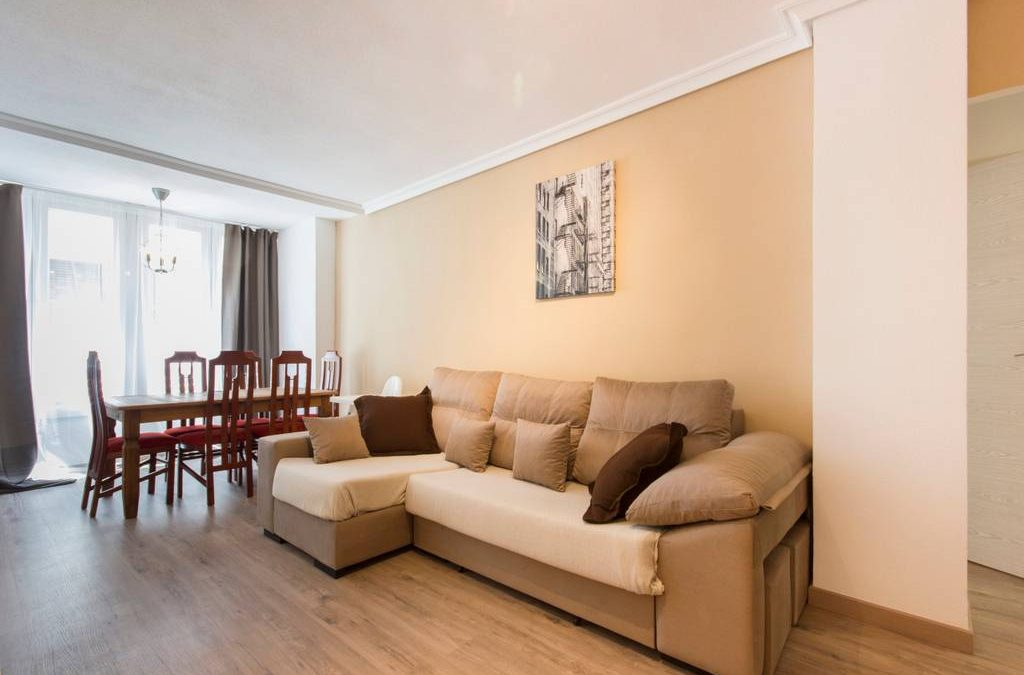 LOVELY NEW APT 1300m FROM BEACH 7PRS