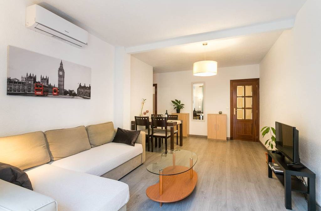 LOVELY NEW APT 200m FROM BEACH 7PRS